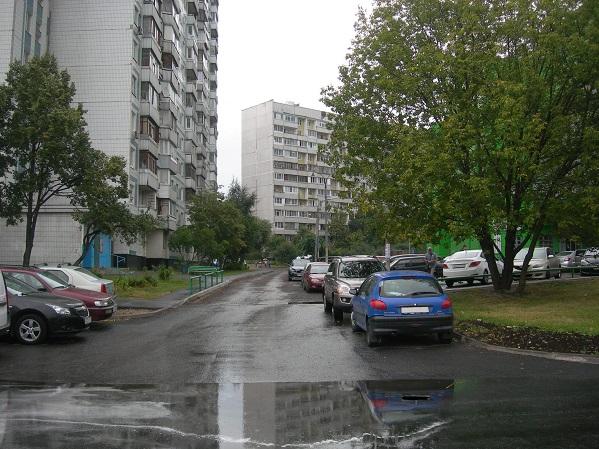 Въезд во двор в районе Бирюлево Восточное